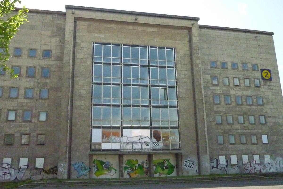 Porta Möbel Einrichtungshaus in Leipzig - Architekturbüro Dipl. Ing ...
